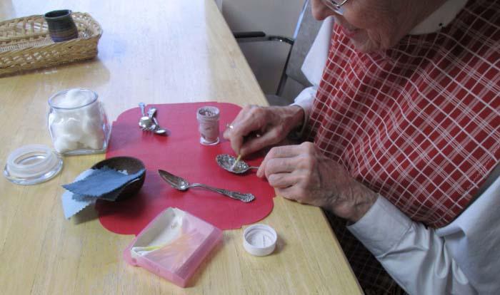 Как чистить мельхиоровые монеты в домашних условиях